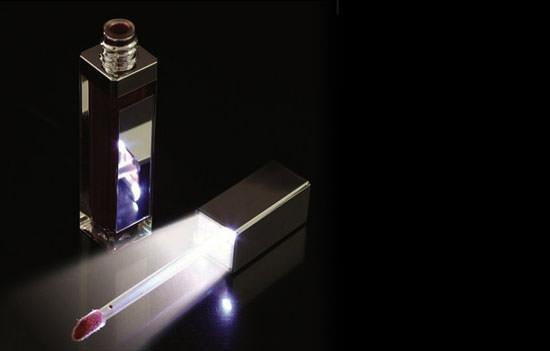 Sorteamos 20 labiales con luz led cosmetik - Bolso con luz interior ...