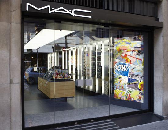 entrada a la tienda MAC en Bilbao