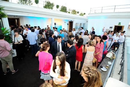 fiesta de presentación de las camisetas fue el 7 de Julio en la terraza del hotel Melia ME