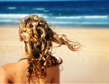 Protege tu pelo del sol este verano