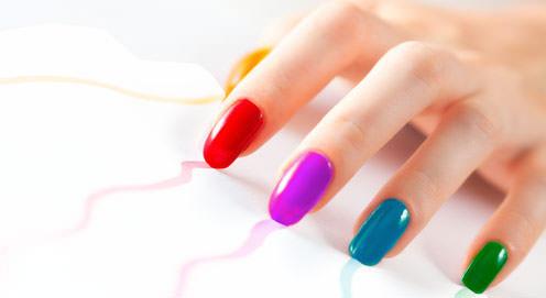 colores flúor en lacas de uñas