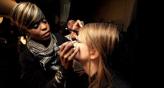La famosa maquilladora Uzo, mano derecha de François Nars