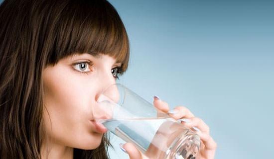 ¿sólo el agua hidrata?