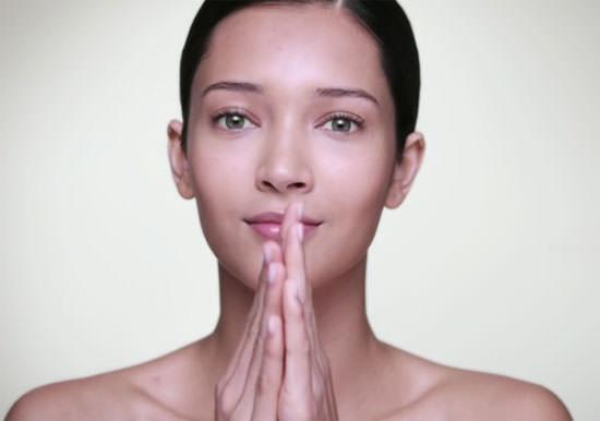 Cómo aplicar hidratantes faciales