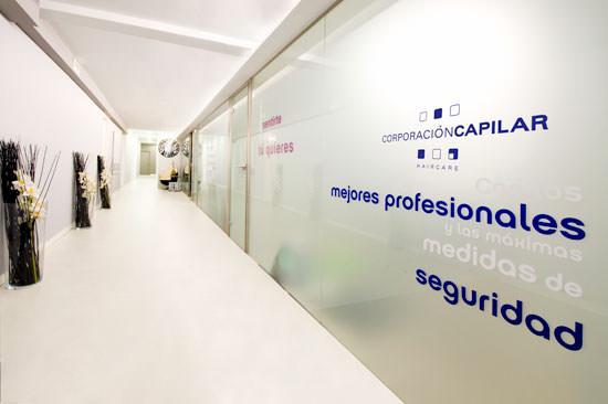 Microinjertos en Corporación Capilar