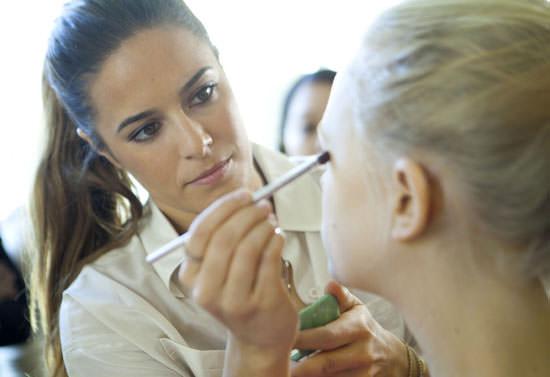 Jenna Menard, nueva maquilladora oficial de Clinique