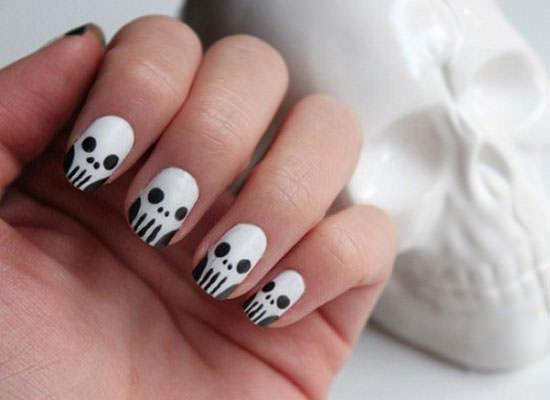 calaveras en blanco y negro para Halloween