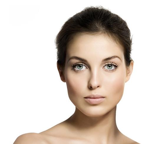 modelo Bella Aurora, cosmética anti-manchas
