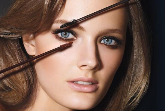 modelo Sumptuous Two Tone Eye-Opening de Estée Lauder