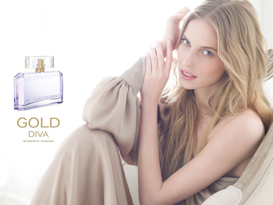 modelo Gold Diva de Roberto Verino