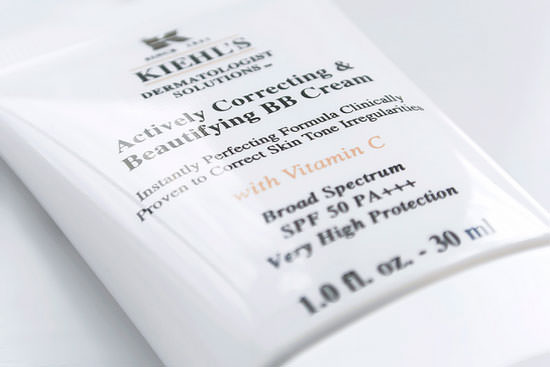 detalle Kiehl´s Actively Correcting & Beautifying BB Cream