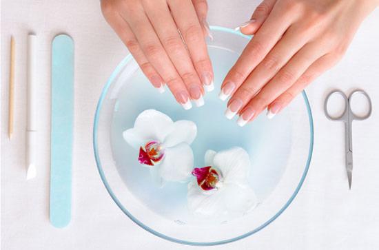 limpiar antes de hacer la manicura