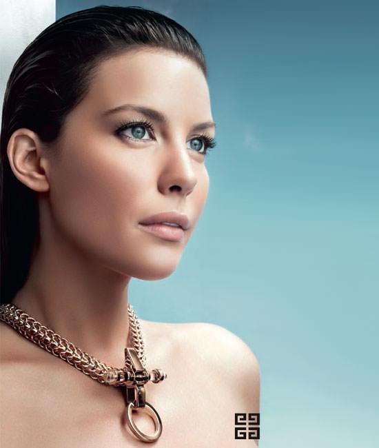 modelo Very Irrésistible de Givenchy edición Croisière
