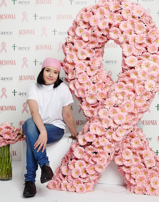 lazo rosa contra el cáncer de mama