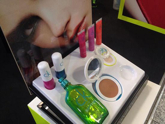 fragancia y maquillaje CK One