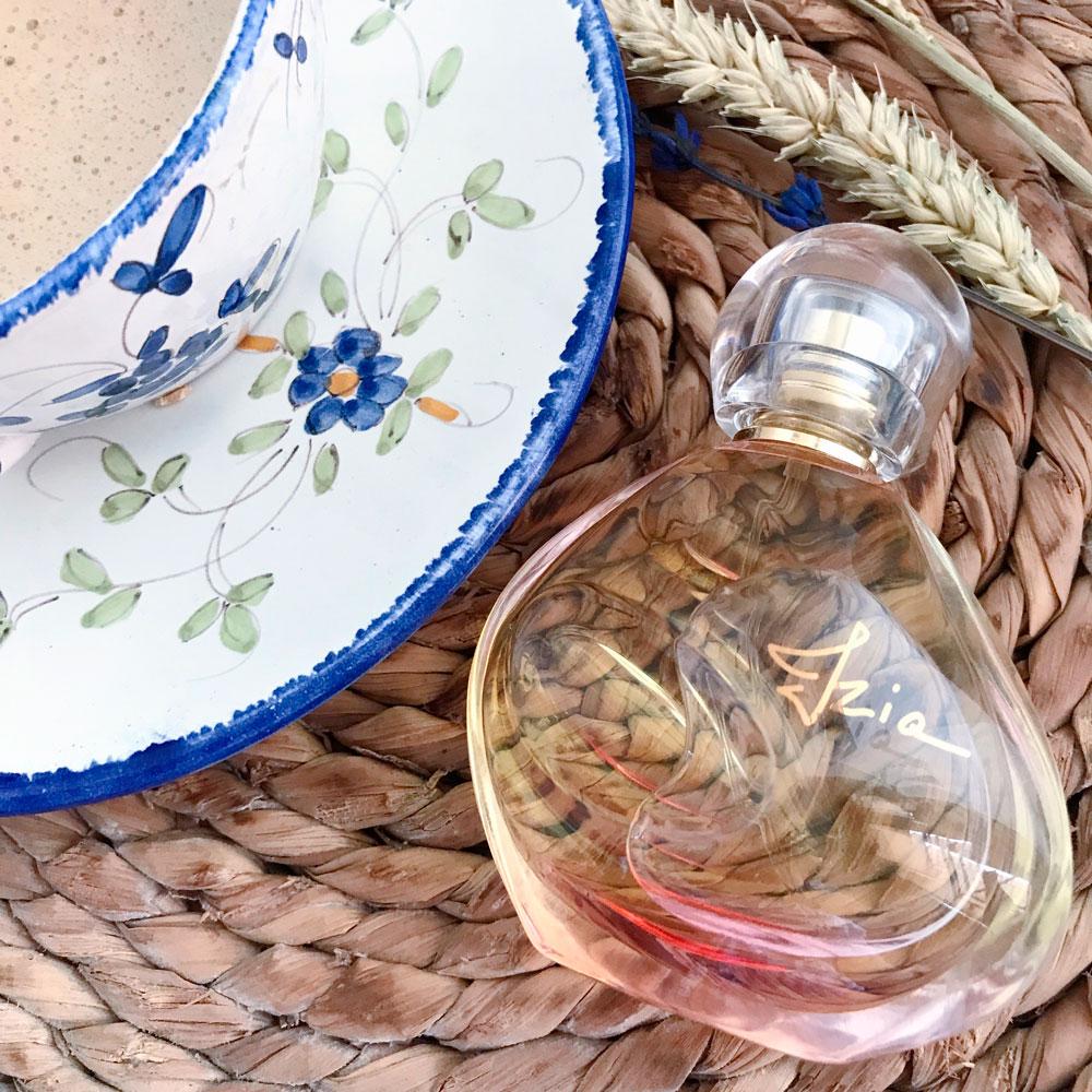 nueva fragancia Izia de Sisley