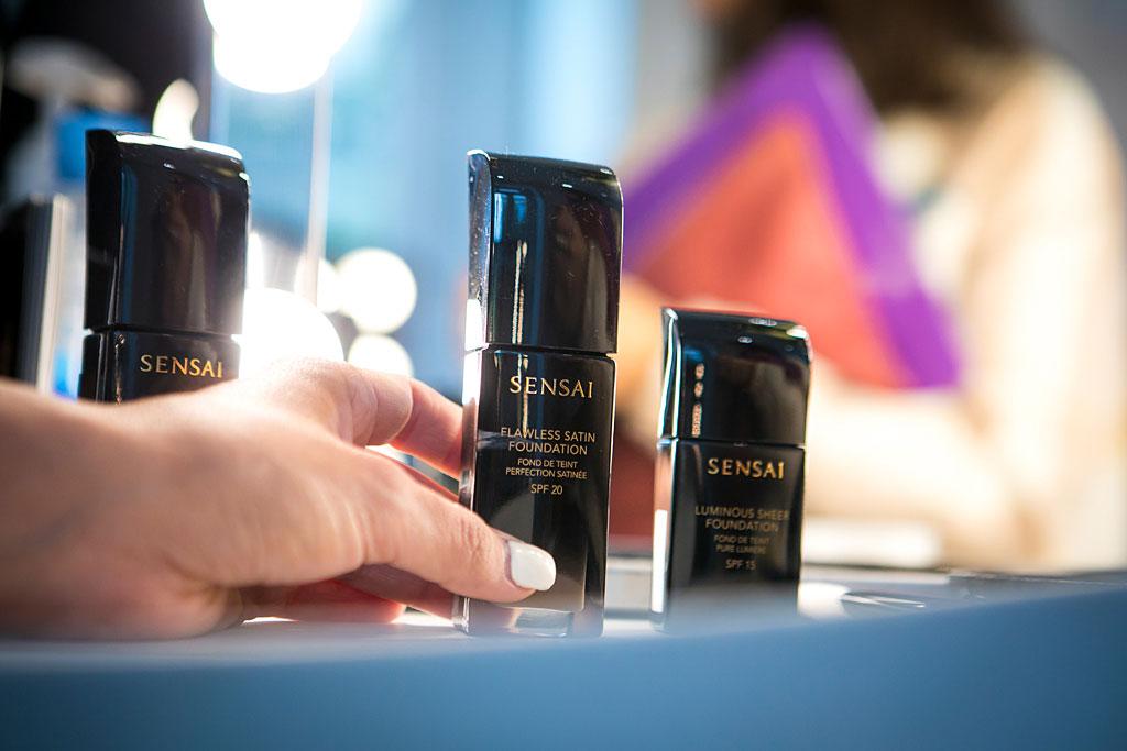 Detalle de las bases de maquillaje de Sensai