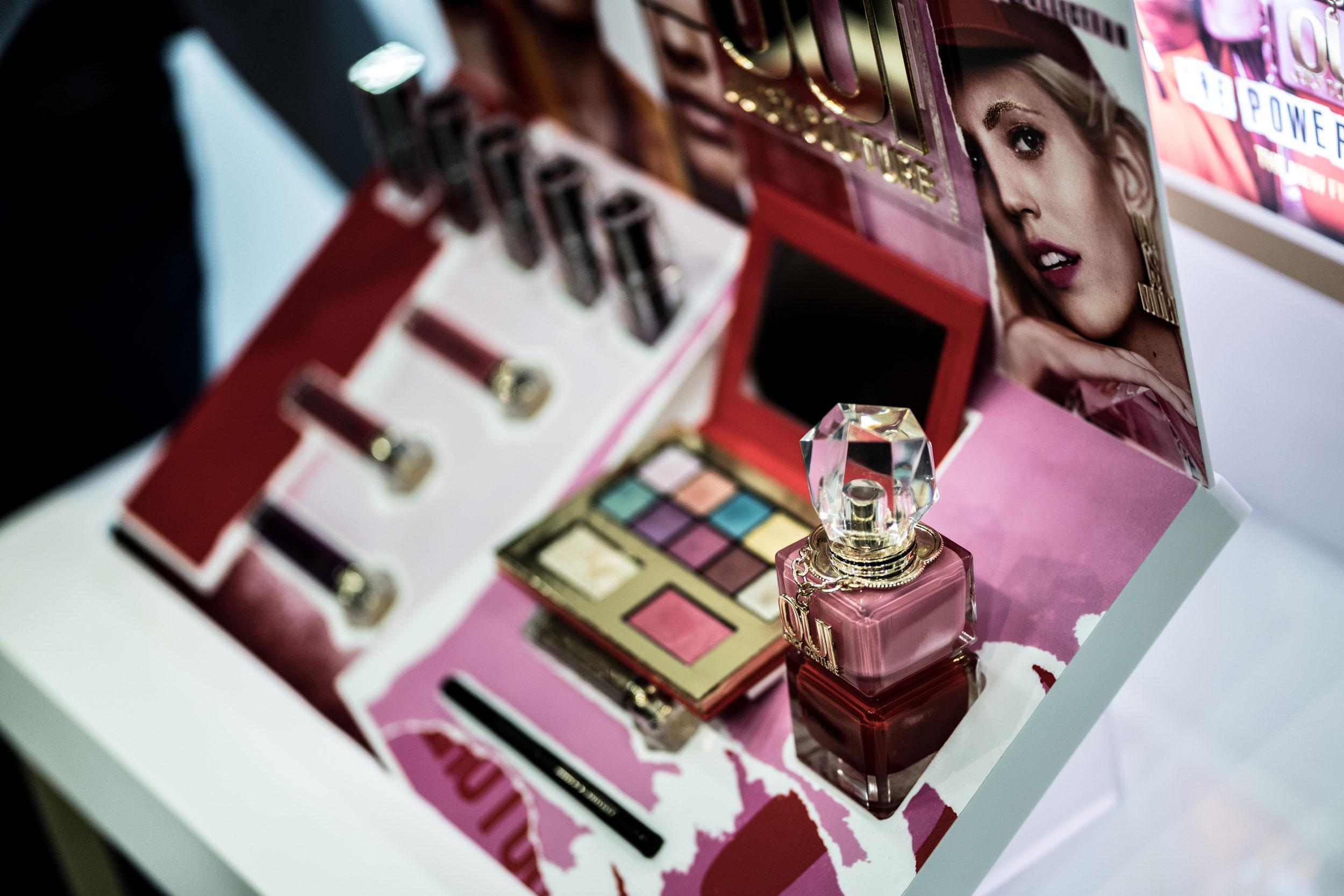 Línea de maquillaje Oui Juicy Couture